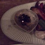 71152551 - 焼き野菜に添えられた小皿、焼いた香り楽しみます