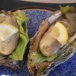 夕日レストラン - 岩牡蠣2個880円