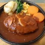 まきしむ - 1000円以下とは思えない立派なハンバーグ 副菜も熱々で提供