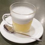 タイランド - タオスワン(400円・外税) 冷たいぜんざいココナッツミルク味みたいなデザート。うんまい