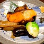 蓬莱 - 焼物 鱒の重ね焼。