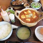 うっちゃり食堂 - お肉たっぷり熱々麻婆豆腐定食780円。