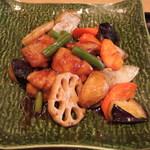 大戸屋 - 大鶏と野菜の黒酢あん定食(861円)