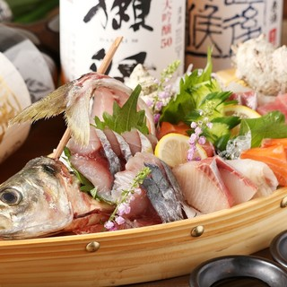 日々市場で仕入れる新鮮な旬魚も是非ご賞味ください。