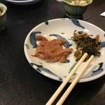 天ぷら亭 - 無理サービスのイカ塩辛と高菜