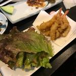 天ぷら亭 - イカとエビの唐揚げ