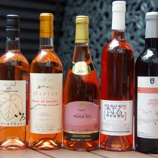 日替わりで豊富な種類のグラスワインも楽しめます!!