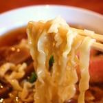 夜須製麺所 - 平麺  にょ〜ん( ´ ▽ ` )ノ