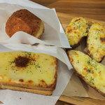 セ・トレボン - 惣菜系のパンは温めてくれます。