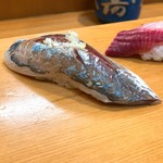 榮寿司 - 鯵の握り