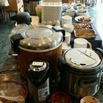 MOM'S - ブュッフェ:カレー、お蕎麦、お惣菜