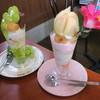 フルーツパーラー角館 さかい屋 - 料理写真:丸ごと桃DXパフェ&特上シャインマスカットパフェ