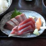 魚がし - お刺身も量があります