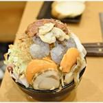 月島もんじゃ もへじ - 海鮮もへじスペシャル 1680円 どどーんと超豪快な盛りっぷり!