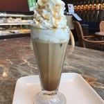 ハーバーカフェ - アイスキャラメルラテ