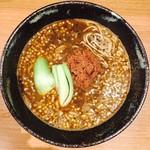 胡楼亭 - 青梗菜を揚げたものと挽肉のシンプルなトッピング