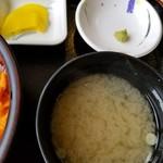 みさき - 味噌汁・たくあん
