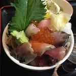 秋葉原漁港 快海 - おまかせ海鮮丼900円