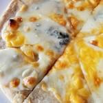 ジョジョズ カフェ&バー - 冷めてチーズが固まってます