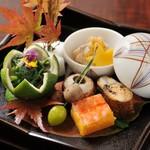 よし寿司 - 季節の旬の素材を・・・。 慶事・法事・慶事にも。
