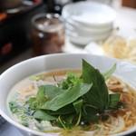 ベトナムフォー ティンアン - 料理写真:ハーブを載せてみました