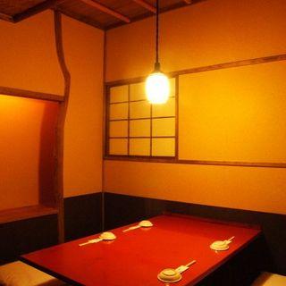 よし寿司 - 趣ある和の掘り炬燵☆