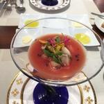 71209742 - 夏野菜とトマトの冷製スープ、炙り帆立と牡蠣のスモーク入り