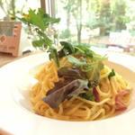 Rokko Base cafe  - 料理写真:クリーミーカルボナーラ680円、ドリンクセット880円