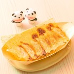 ミヤコパンダ - 料理写真:可愛い木舟に乗ったちいさめ餃子
