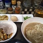 拉麺ビュッフェBUTA -