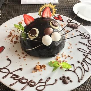 新作の黒猫ホールケーキ!!