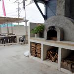 Bali Bali バーベQ - ピザ釜もあります。(イベントの時利用)