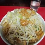 蓮爾 - 小ラーメン豚入り850円 ※ニンニク、ヤサイ、アブラ