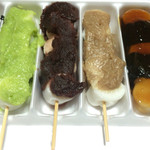 滝見だんご - 料理写真:5色(ごま・ずんだ・あん・くるみ・いそべ) 650円