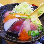 海鮮どんぶり太郎 - 【ランチ】 海鮮丼セット \850