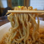 ラーメンどん - 二郎的なキャラじゃないが味わい深い撚れ麺