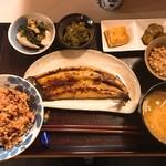 つる来 - 日替わり定食(秋刀魚の麹焼き)