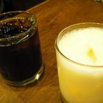ニューアストリア - ミルクセーキ、アイスコーヒー