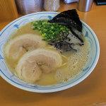 壬六 - 料理写真:ノーマルな「壬六ラーメン」は550円。ランチ限定の「チャーハンセット」(750円)でいただきました。