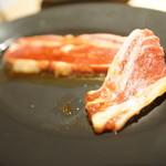 焼肉ダイナーハウスFAM - 骨つきカルビ