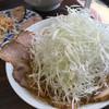 Tonton - 料理写真:とんとんネギチャーシュー麺、ネギ量が凄い