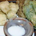 焼肉居酒屋かちかち山 - ハモと舞茸の天ぷら