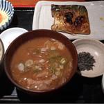 めしの助 - 豚汁定食(焼き塩さば)