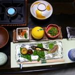 光緑園 西清 - 「旅館の料理」だけど心づくしの地のものが盛りだくさん