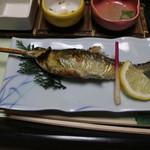 光緑園 西清 - 定番の鮎の塩焼き 天然じゃないけど十分美味しい