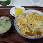 食事処 三平 - カツ丼(650円)です。