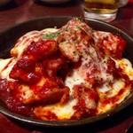 KOREAN DINING 長寿韓酒房 - ブルダック チーズのせ 630円