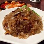 KOREAN DINING 長寿韓酒房 - 長寿チャプチェ 定番醤油風味 780円