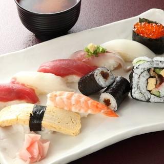お昼もリーズナブル!本格江戸前寿司を、さらに手軽に◎