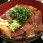 湯浅 - 鮪づけ丼とハムカツ 850円。